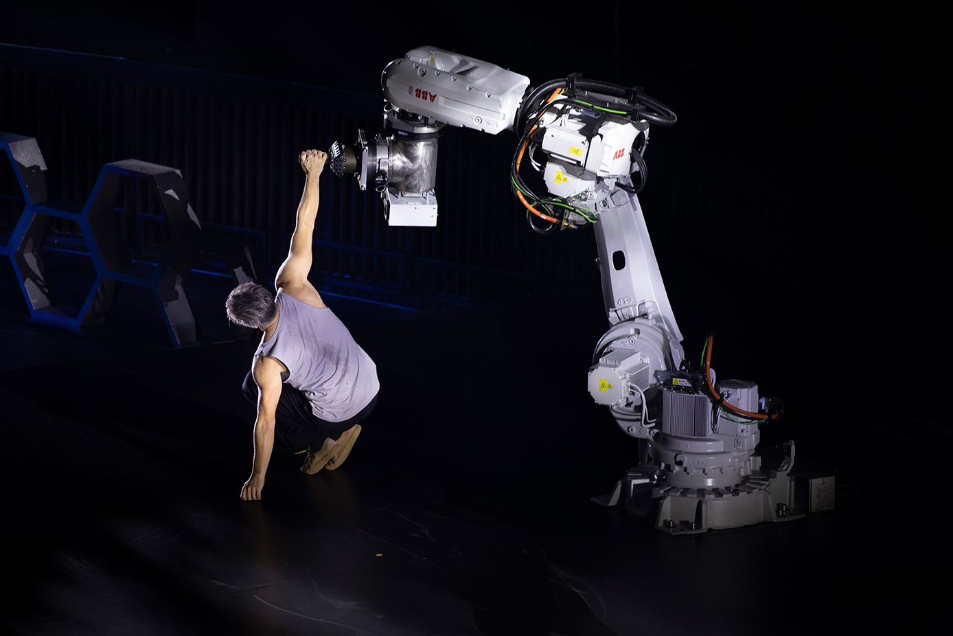 "The dance at the inauguration of the fair between Fredrik ""Benke"" Rydman and one of ABB's industrial robots illustrates cooperation between man and robot. Photo: Stefan Hollertz."